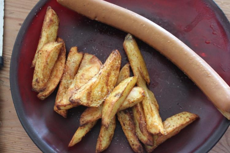 frites au four et saucisse de tofu