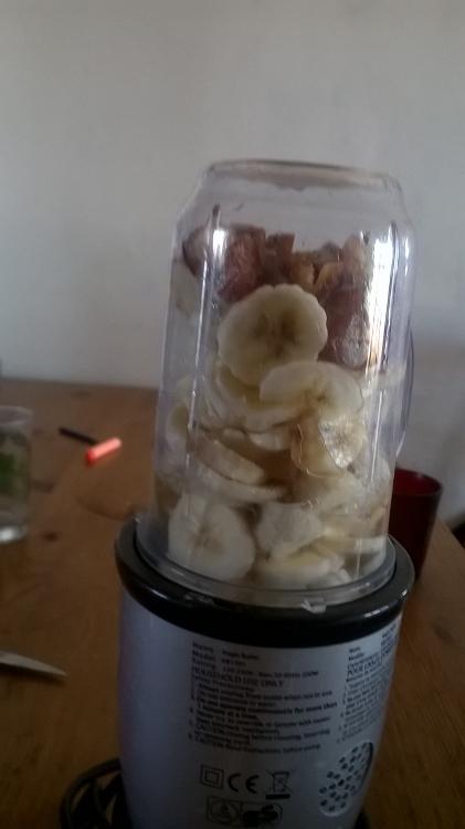 mon éternel smoothie bananes - dattes.