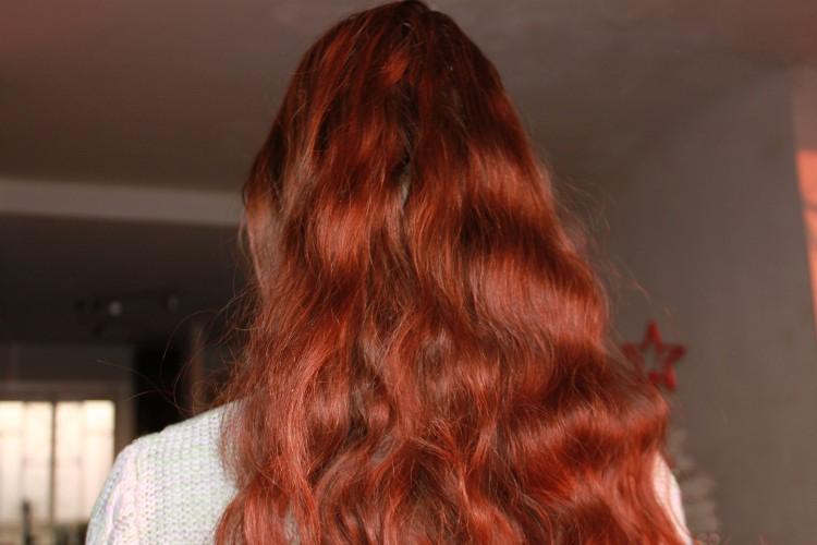 Mes cheveux au soleil. Finalement on voit bien le henné.